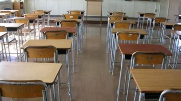 التربية توضح لا توجد نية لدى الوزارة لتوحيد لباس المدرسين.