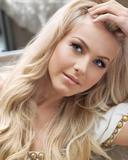 Pale Blonde Hair Color 31
