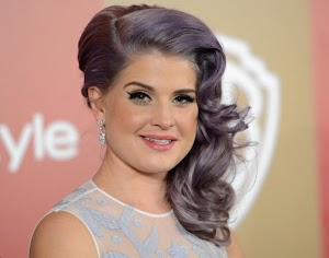 Kelly Osbourne suffers seizure, says doctors are 'just trying to figure out why'