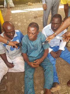 Photos: Anambra Police parade three suspected car snatchers, recovers 25 bunches of keys, Toyota Tacoma Jeep