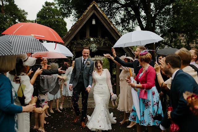 deszcz%2Bw%2Bdniu%2Bslubu - Deszcz w dniu ślubu - czy zepsuje Waszą uroczystość?