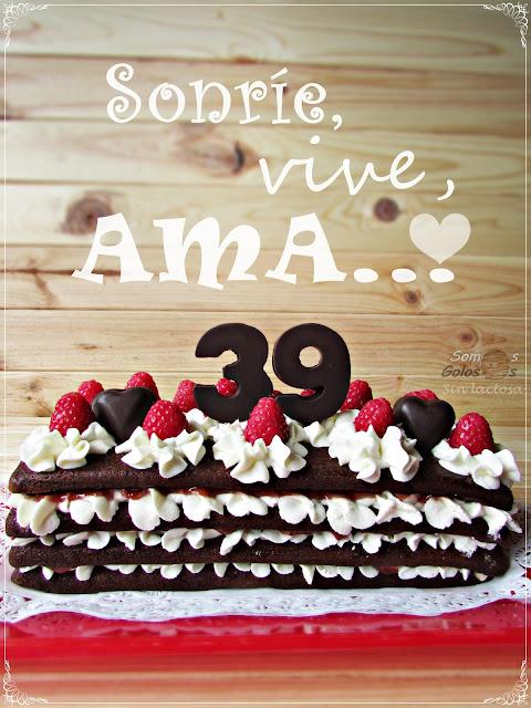 Naked Cake de chocolate, crema de queso y frutos rojos  (Sin Lactosa)