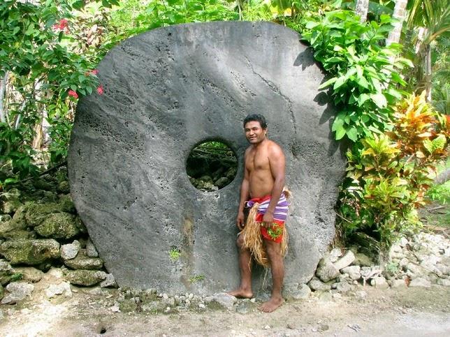 Uang Batu dari Pulau Yap, Kep. Solomon