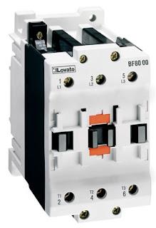 تشغيل محرك ثلاثي بوساطة مفتاح كهرومغناطيسي