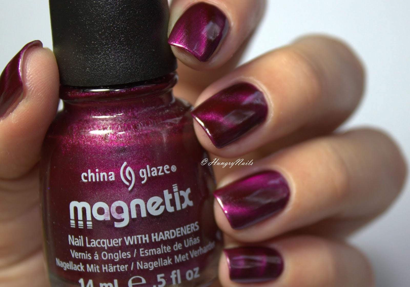 http://hungrynails.blogspot.de/2016/07/china-glaze-positively-in-love.html
