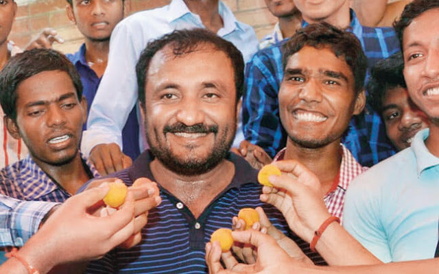 Anand Kumar Celebrating Moments of Joy with His Students