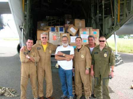 L'equipaggio del primo volo col nostro coordinatore nel 2005
