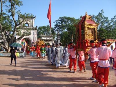 Lễ hội truyền thống là cái nôi nuôi dưỡng bản sắc văn hoá dân tộc