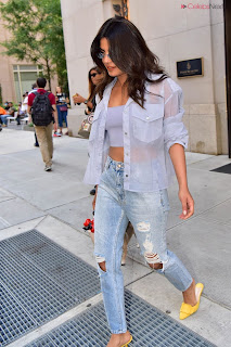Priyanka Chopra in lovely Denim jeans and Transparent Top   .xyz Exclusive 004.jpg