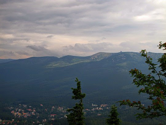Panorama Karkonoszy z Wysokiego Kamienia.