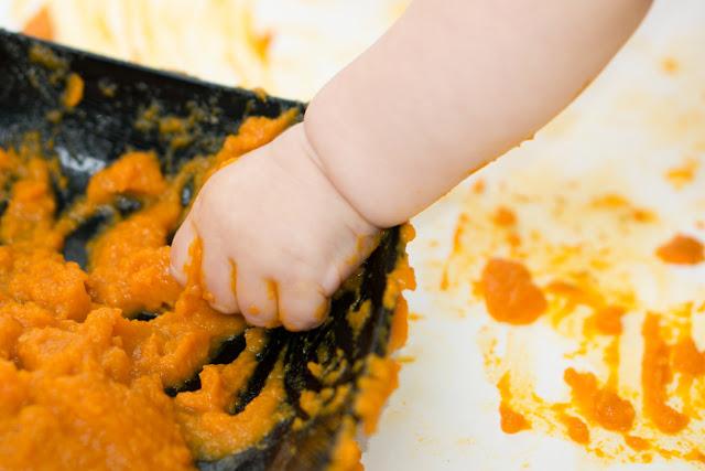 Натуральные пальчиковые краски для малышей до года! Чем занять ребёнка?