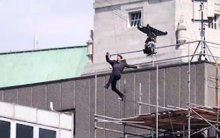 Actor Tom Cruise injured while filming Mission Impossible 6 stunts