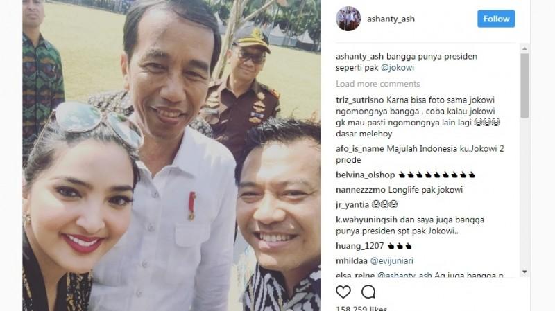 Foto selfie Anang-Ashanty dengan Jokowi