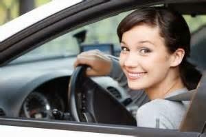 Kelihaian Cara Mengemudi Mobil Matic adalah Skill yang harus Anda ketahui, situasi jalan raya semakin padat dari tahun ke tahun. Maka untuk menjaga keselamatan sangat di perlukan skill mengemudi yang benar. Faktor lain adalah kenyamanan berkendara, karena jelas mungkin dengan semakin padatnya jalan raya semakin meningkatkan resiko kecelakaan dan banyak pengemudi tak lihai membuat takut penumpang di dalamnya. Selain itu Cara anda memperlakukan mobil ketika menyetir juga berpengaruh terhadap kerusakan komponen mesin kendaraan.