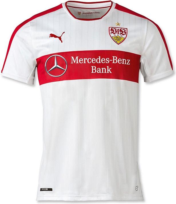 O modelo reserva é vermelho com a faixa horizontal no centro da camisa e  nas mangas em tom mais claro. 10c8b84d6cc87