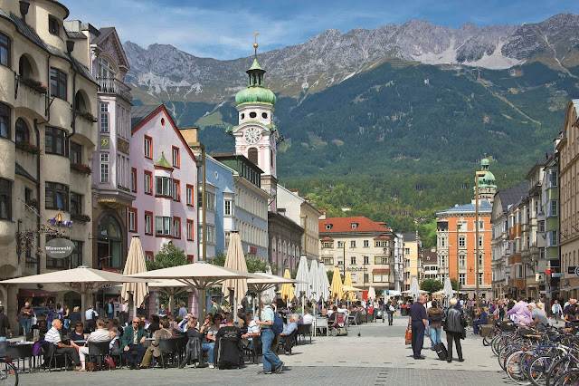 Innsbruck Wonderful Capital City of Tyrol Austria HD Wallpaper