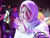 (8.87 MB) Download Lagu Nissa Sabyan - Allahumma Labbaik Mp3