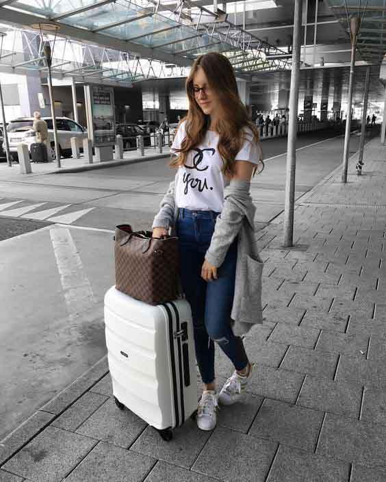 aerolook calça jeans, tshirt, cardigan e tênis