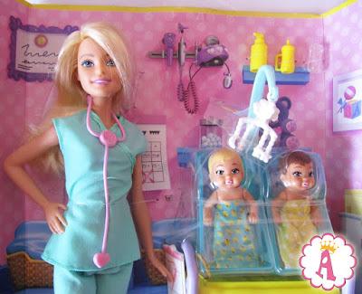 Игровой набор с куклой барби и малышами Barbie Baby Doctor 2016 - 2017