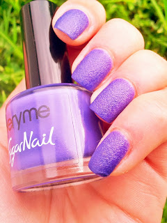 oriflame-very-me-sugar-nails-purple-berry-swatch-picture