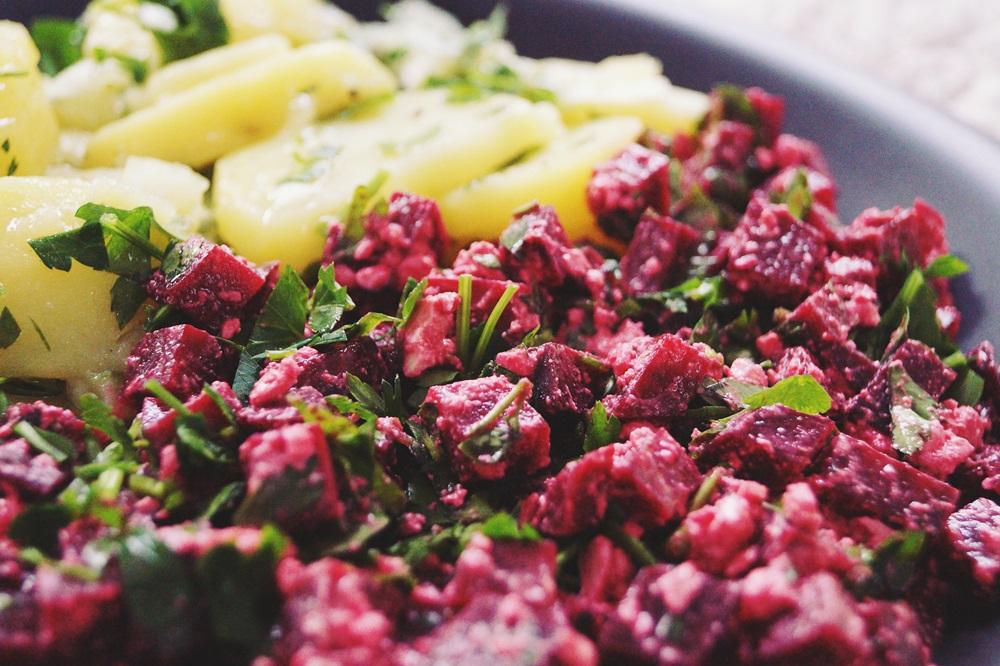 Rote Bete Salat mit Feta und Petersilie