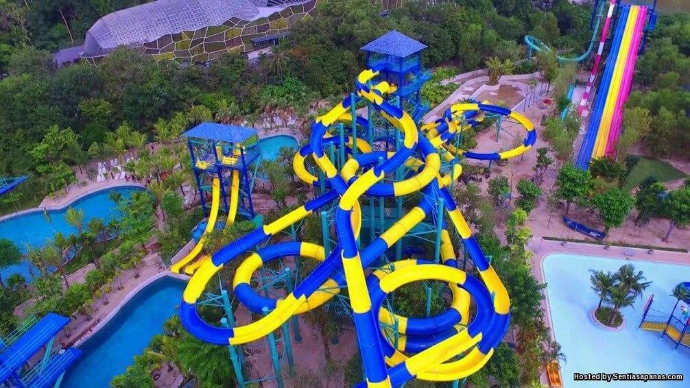 Taman Tema Escape Gelongsor Air Terpanjang Di Dunia!