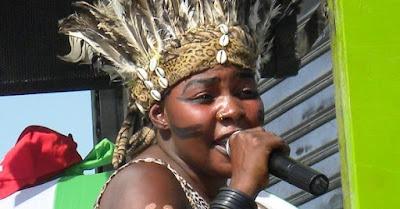Saida Karoli - Akatambala