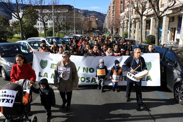 Manifestación de familias y trabajadores de La Milagrosa