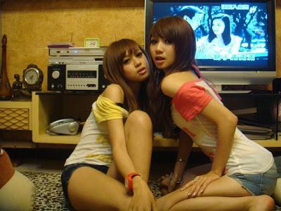 NO Copas Blog Cewek Twins Seksi Cantik Dan Satu Lagi Sempurna
