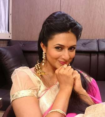 Indian TV Star Actress Divyanka Tripathi Tied Knot With Vivek Dhaiya on July 8th
