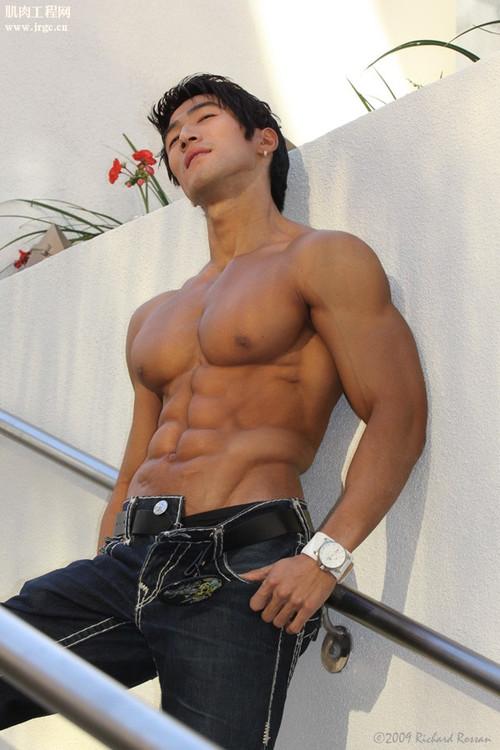 Asian Muscle Man 59