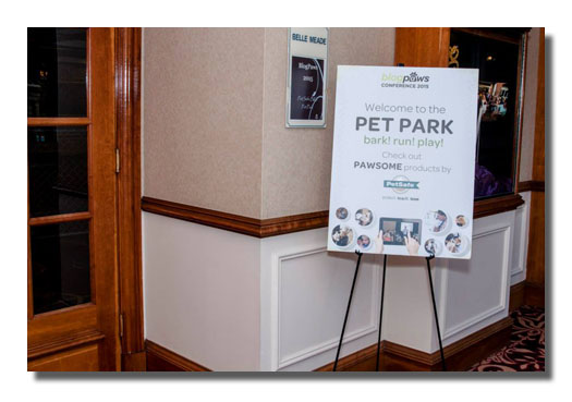PetSafe pet park sign