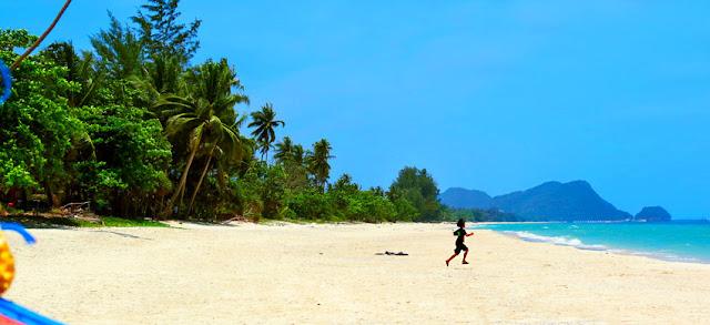 nakhon si thammarat beach