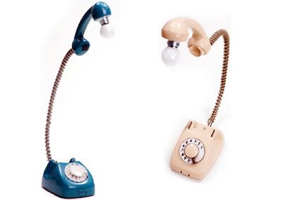 Lampara con teléfono reciclado