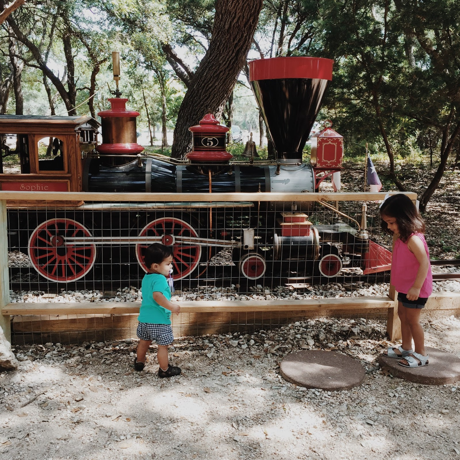 AUSTIN GUIDE : Cedar Rock Railroad