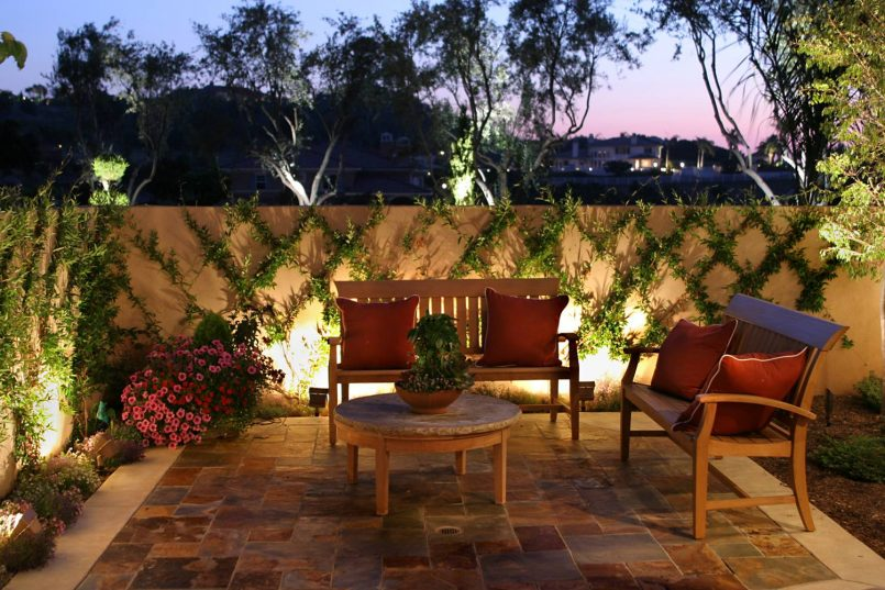 25 Fabulous Courtyard Interior Wall Decorating Ideas - Decor ...
