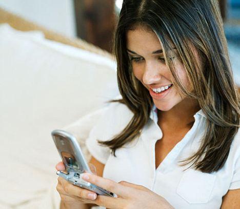 wanita lebih suka melihat video porno dari ponselnya