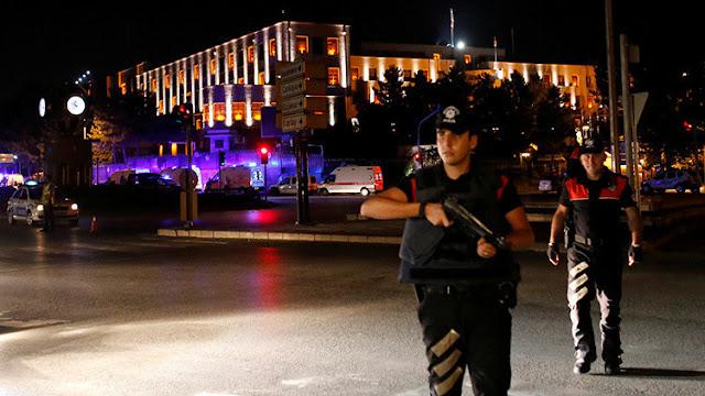 La cúpula del Gobierno turco habría sido detenida por las tropas golpistas del Ejército.