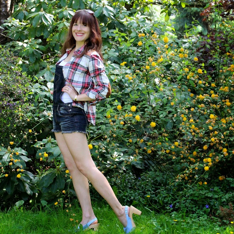 Plaid, cut-off overalls and Swedish Hasbeens