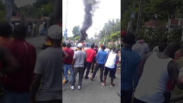 Hieren periodista AN 7 en huelga San Cristóbal.