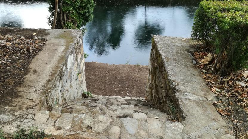 Escadas de acesso á água