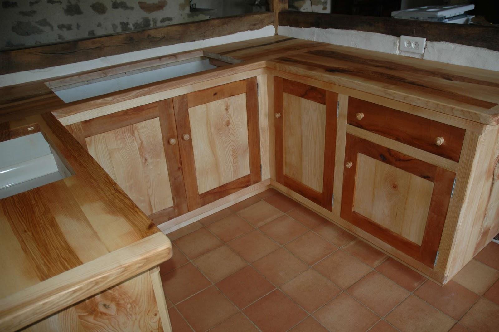 la maison d 39 apr s du nouveau dans la cuisine. Black Bedroom Furniture Sets. Home Design Ideas