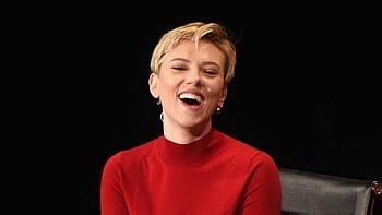 Scarlett Johansson diz que não descarta entrar na política