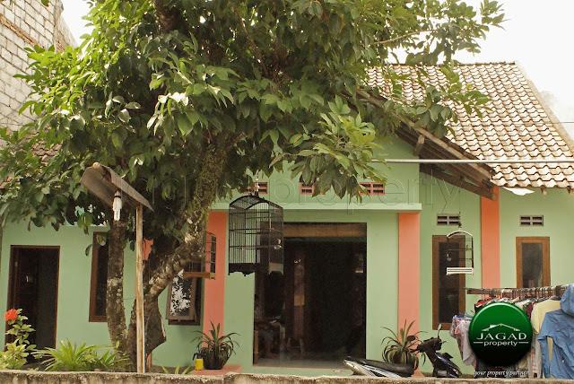 Rumah di jalan Monjali dekat Kampus UGM