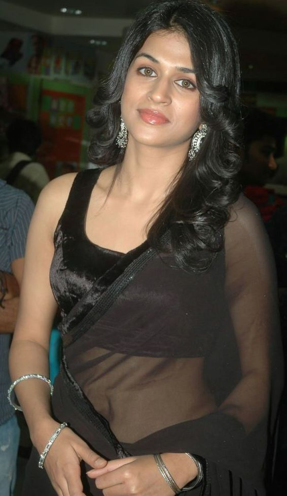 Ileana Hot Navel Show In Black Saree  Tamilpixel-9929