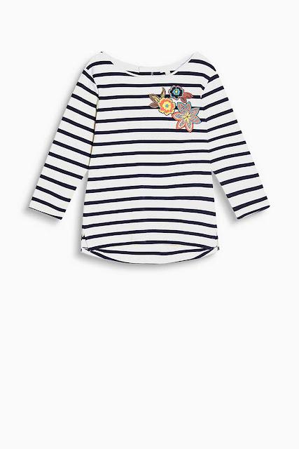 http://www.esprit.es/camisetas-mujer/camiseta-con-estampado-floral-algod%C3%B3n-077EE1K070_110