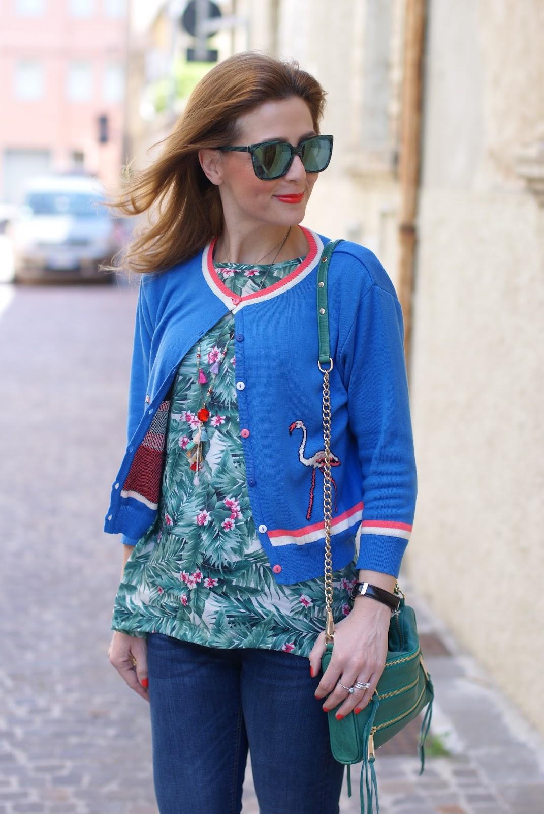 Bryony cardigan and Mismash Askani t-shirt on Fashion and Cookies fashion blog, fashion blogger style