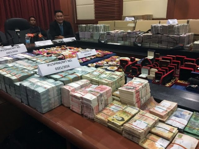 SPRM Rampas RM 52 Juta , 30 Anggota Ambil Masa 15 Jam Untuk Kira