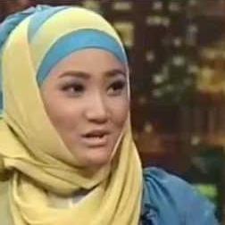 Video Fatin di Bukan Empat Mata 19 Juni 2013