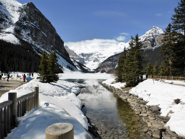 P.N: Banff: Lake Louise